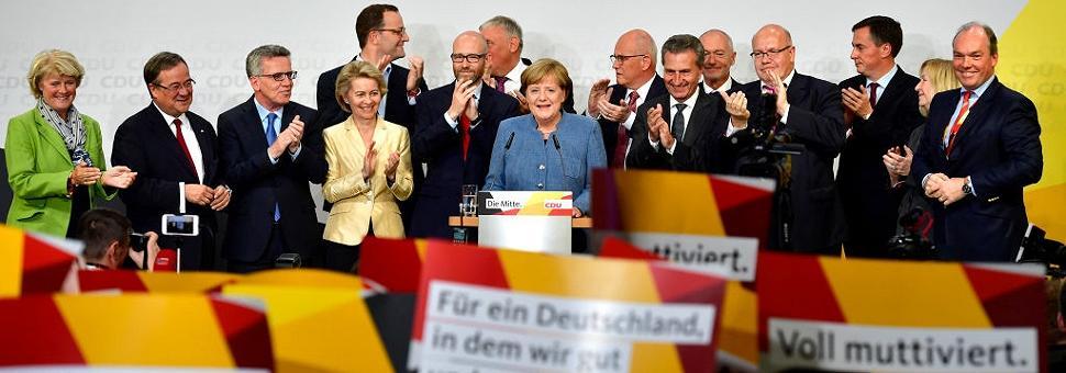 Germania: la vittoria dimezzata di Merkel crollo per Spd, successo dei populisti