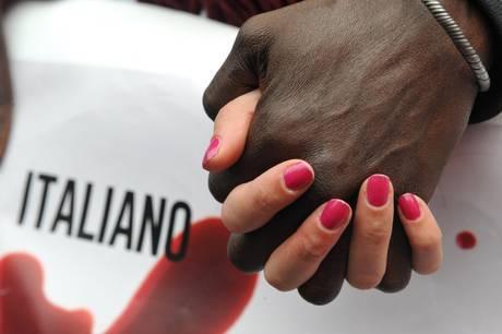Tg3 non odio gli stranieri odio quelli che li aiutano for Nomi politici italiani