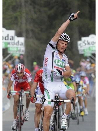 Victoria de Di Luca en el pasado Giro y homenaje al Abruzzo bajo la leyenda