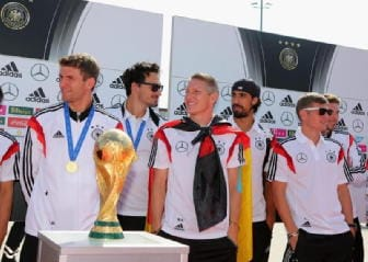 Germania, Lahm alza la Coppa