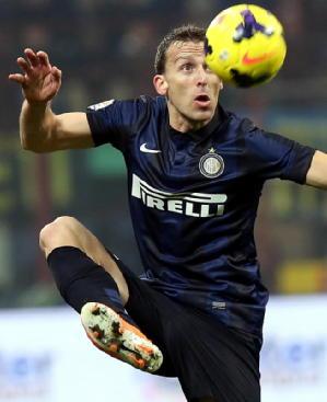 Inter: lista Uefa, rientra Campagnaro