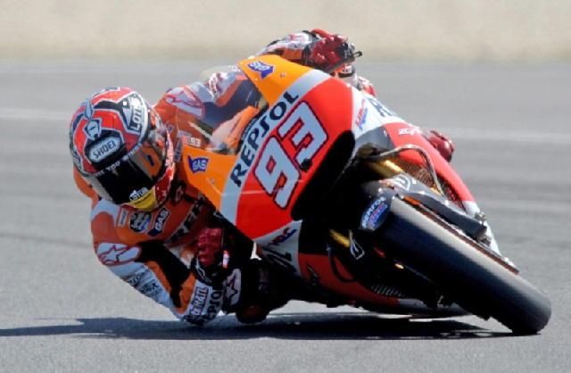Moto: Australia, Marquez in pole