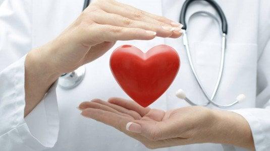 Cuore, tumore al polmone, stress Ecco le cause di morte degli italiani