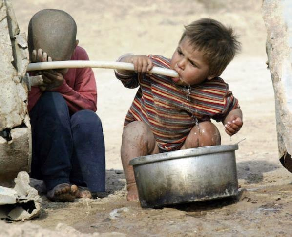 Due miliardi di persone nel mondo vivono senza acqua potabile