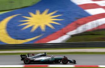 F1: Hamilton, mi dispiace per Vettel