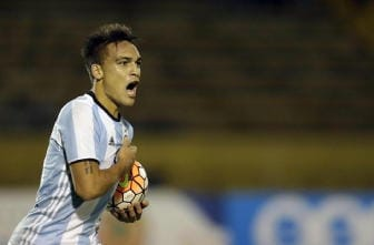 Lautaro Martinez vicino all'Inter