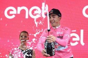 Giro: Conti conserva la maglia rosa