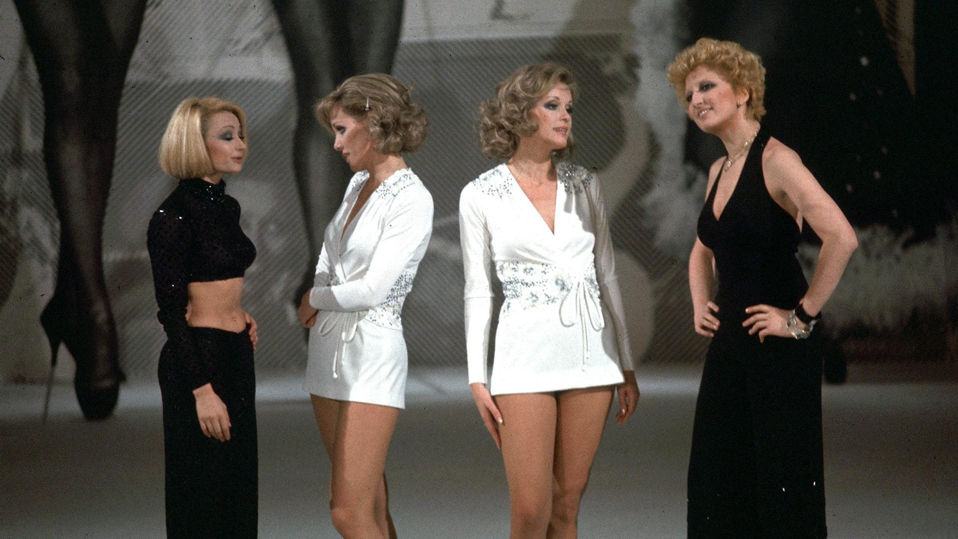 "Mina, gemelle Kessler e Raffaella Carrà in ""Milleluci"" (1974)"