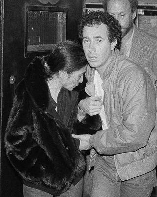 Hanno Ucciso John Lennon La Notizia E Le Foto Di 35 Anni Fa Photogallery Rai News