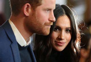 Elisabetta II dice sì alla nuova vita di Harry e Meghan ma ci sarà un periodo di transizione - Rai News