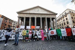 Coronavirus. Palestre, taxi e ristoranti. La protesta a Roma, Napoli e Cremona - Photogallery - Rai News