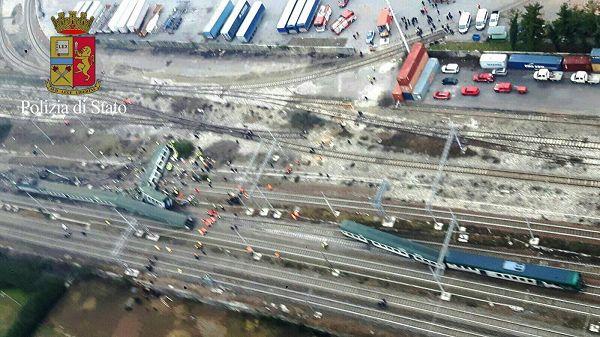 7cadcfe156d3d Milano, deraglia il treno da Cremona  3 morti e 46 feriti ...