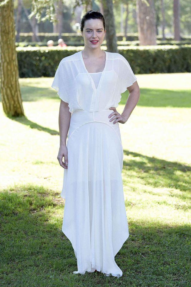 Una donna bionica a Villa Borghese. La sexy Michelle Ryan a Roma per Andron  - The black labyrint