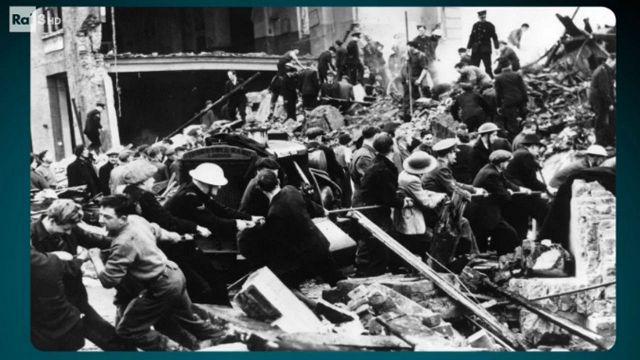 Risultati immagini per passato e presente il bombardamento di londra
