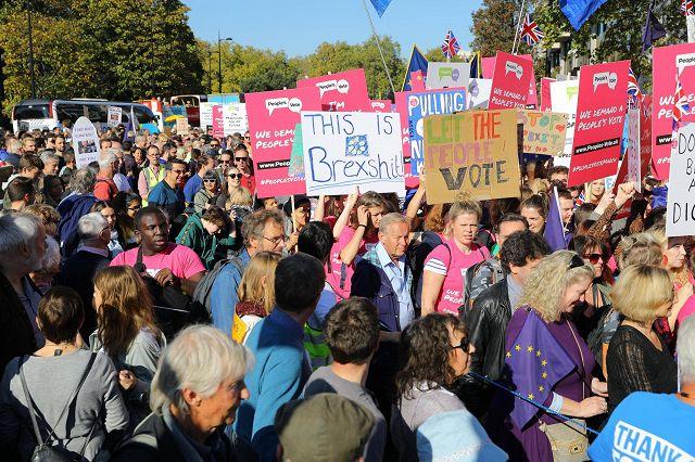 Londra, #PeoplesVoteMarch, per chiedere un nuovo referendum sulla Brexit – Photogallery – Rai News